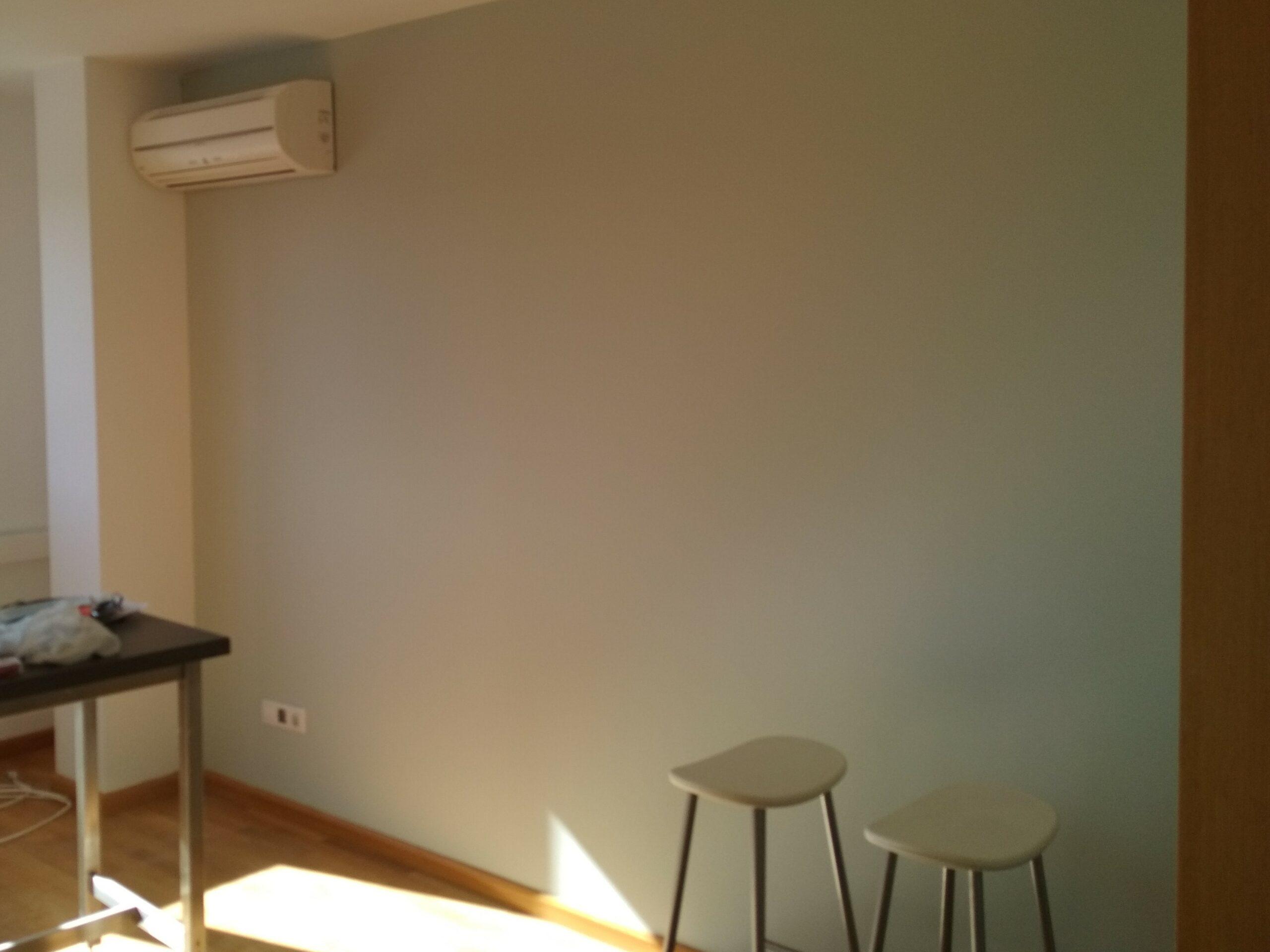 alisado de paredes salon